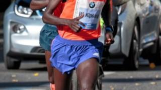 デニス・キメットが失速した理由は怪我か体調不良?(福岡国際マラソン2015)